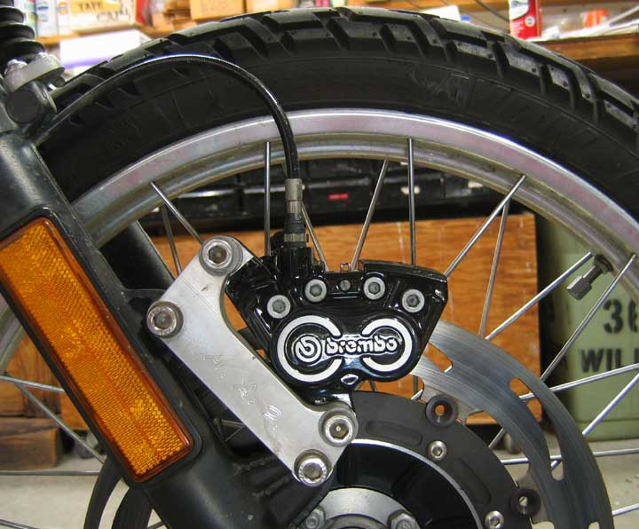 R100GS - Rectifer étrier brembo 4 pistons Installed
